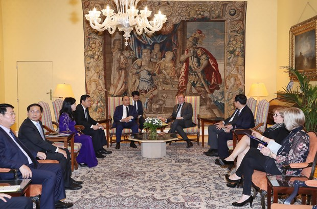 越南政府总理阮春福会见比利时众议院议长西格弗里特·布拉克 hinh anh 2