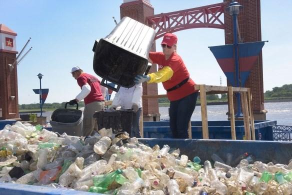 越南打造一个没有垃圾的世界 hinh anh 1