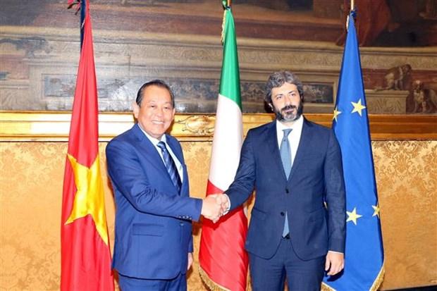 越南政府副总理张和平拜会意大利国家众议院议长罗伯托•菲科 hinh anh 1