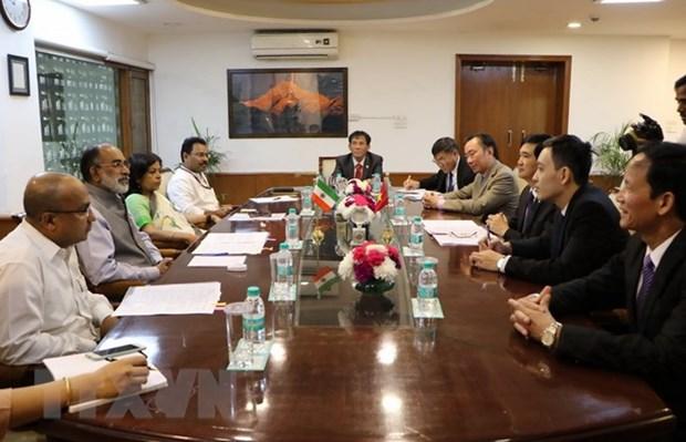 越南共产党代表团以特邀贵宾身份访问印度 hinh anh 2