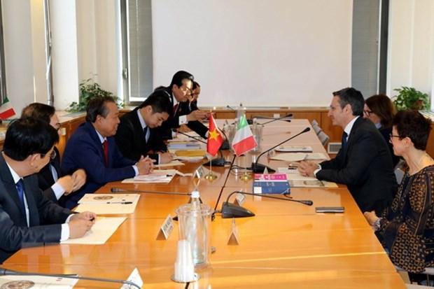 越南政府副总理张和平与意大利最高司法委员会领导举行工作会谈 hinh anh 2