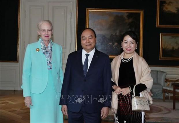 越南政府总理阮春福会见丹麦女王玛格丽特二世 hinh anh 1