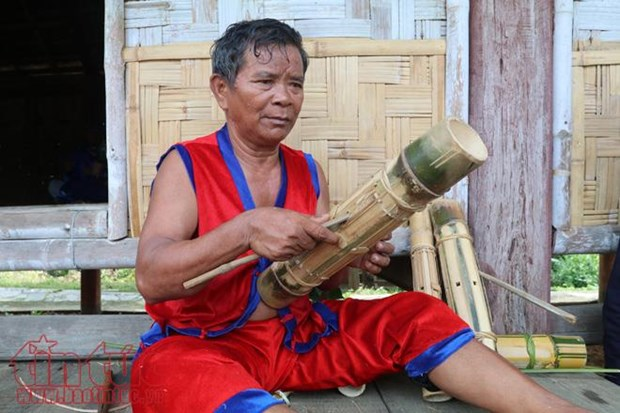 倾力维护拉格莱族传统文化的某红泰长老 hinh anh 2
