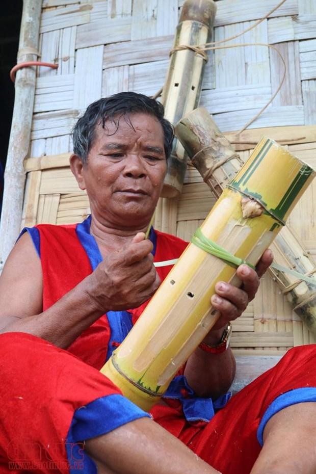 倾力维护拉格莱族传统文化的某红泰长老 hinh anh 1