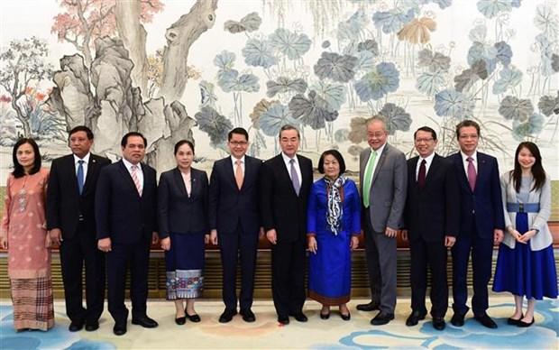 中国外长王毅:中方重视东盟在区域合作中的中心地位 hinh anh 1