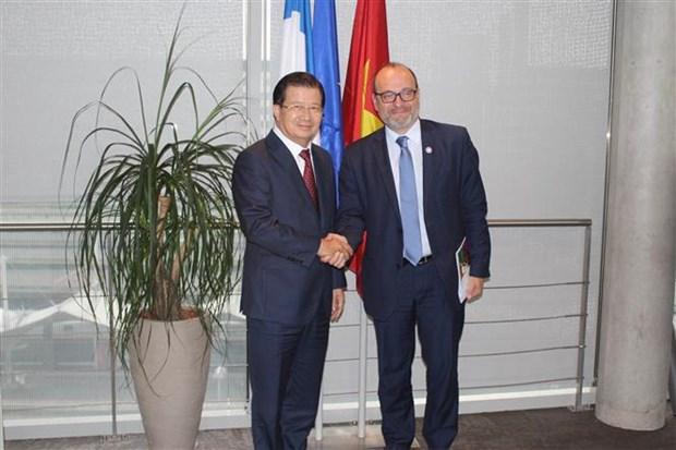 着力扩展越南与法国之间的全方位合作 hinh anh 2
