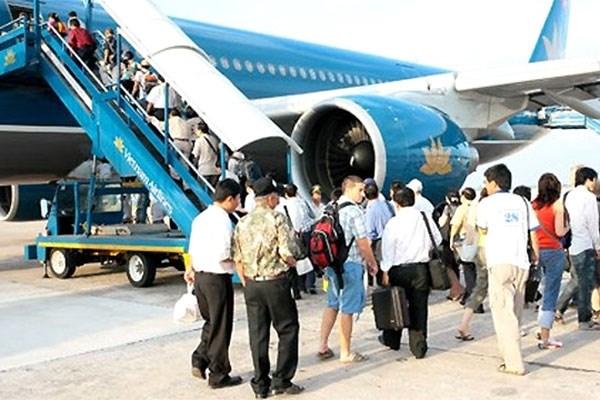 越南乘坐飞机人数继续猛增 hinh anh 1