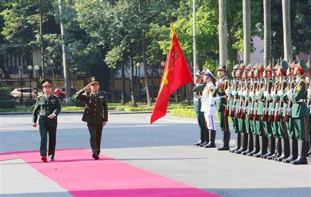 柬埔寨国家宪兵总司令冯批森对越南进行正式访问 hinh anh 1