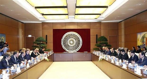 国会副主席冯国显会见欧洲议会渔业委员会代表团 hinh anh 2