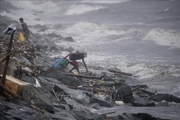"""菲律宾台风""""玉兔""""登陆 万人被迫疏散 hinh anh 1"""