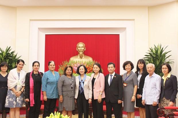 越共中央民运部部长会见古巴全国妇女联合会代表团 hinh anh 2