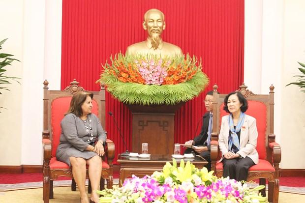 越共中央民运部部长会见古巴全国妇女联合会代表团 hinh anh 1
