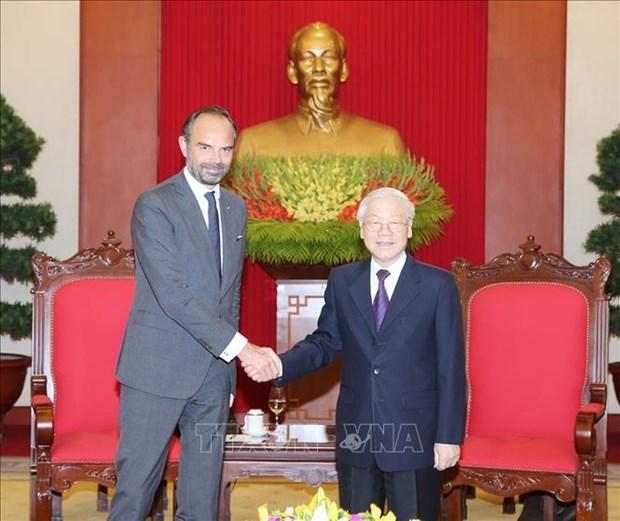越共中央总书记、国家主席阮富仲会见法国总理爱德华·菲利普 hinh anh 1