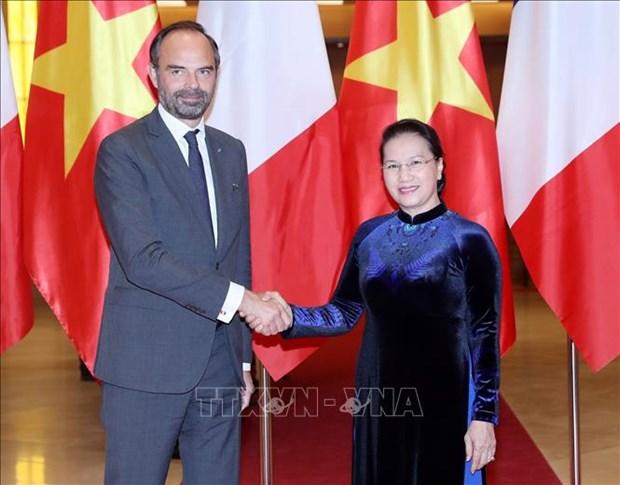 越南国会主席阮氏金银会见法国总理爱德华•菲利普 hinh anh 1