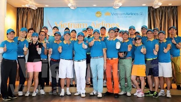 越南航空公司驻香港办事处举行高尔夫球友谊赛 hinh anh 1