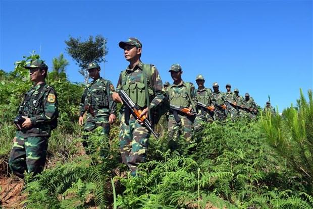 越老柬三国举行向界碑敬礼和边境联合巡逻见证仪式 hinh anh 2