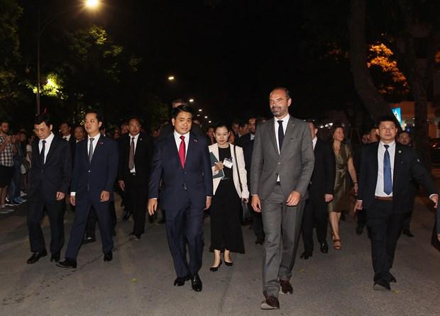 河内市人民委员会主席阮德钟会见法国总理爱德华•菲利普 hinh anh 2