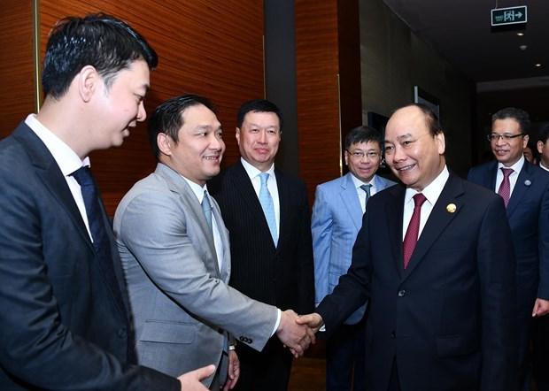 政府总理阮春福会见中国各大集团领导 hinh anh 1