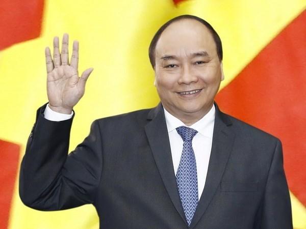 阮春福启程赴中国出席首届中国国际进口博览会 hinh anh 1