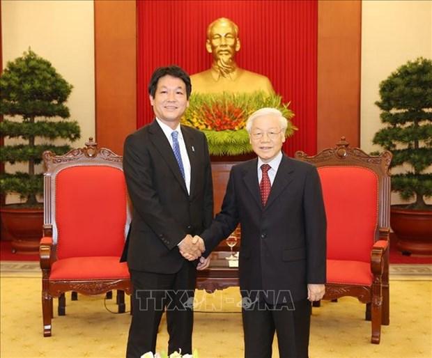 越共中央总书记、国家主席阮富仲会见日本首相特使 hinh anh 1
