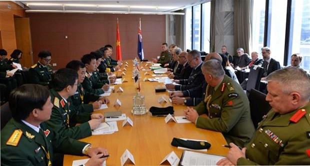 进一步推动越新两国防务合作关系迈上新步伐 hinh anh 2