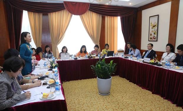 越南妇女联合会主席与朝鲜社会主义妇女同盟加强合作 hinh anh 1