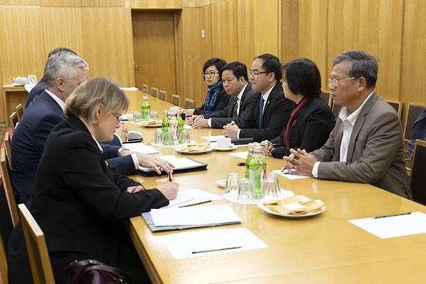 越俄两国分享国家宗教事务管理经验 hinh anh 1
