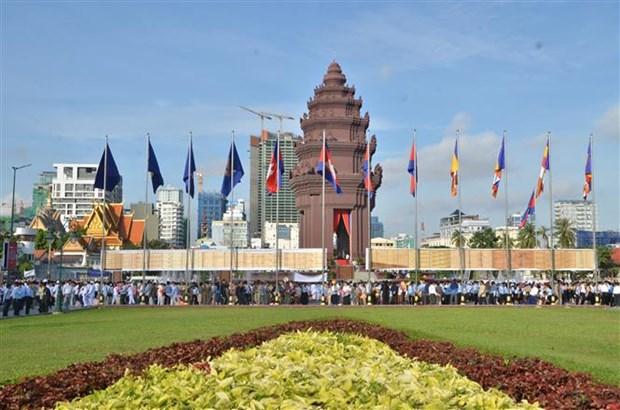 柬埔寨隆重举行国庆65周年庆祝活动 hinh anh 2