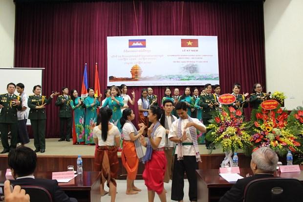 越柬两国增强相互了解和友好合作关系 hinh anh 1