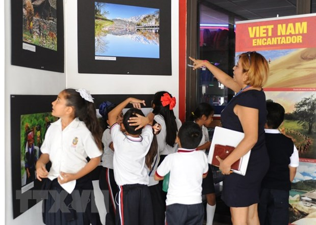 墨西哥知识界人士高度评价越南发展成就 hinh anh 2