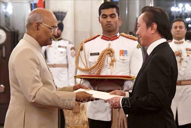 """印度总统:越南始终是印度""""东向行动政策""""中的重要支柱 hinh anh 1"""
