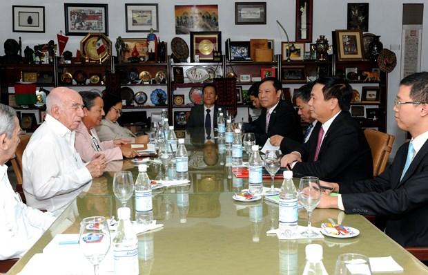 古巴共产党中央委员会第二书记会见越南共产党代表团一行 hinh anh 1