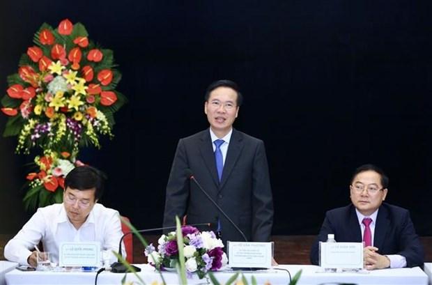 越共中央宣教部部长访问部分新闻媒体机构 hinh anh 1