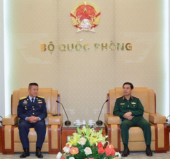 越南人民军总参谋长潘文江会见泰国皇家空军司令 hinh anh 1