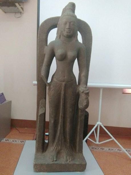 萨罗斯瓦蒂女神雕像首次亮相越南 hinh anh 1