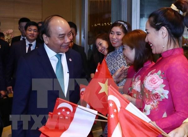 越南政府总理阮春福圆满结束第33届东盟峰会及系列会议之行 hinh anh 1