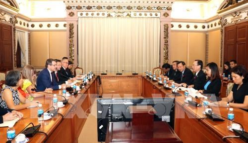胡志明市与日本鹿儿岛市加强合作 hinh anh 2
