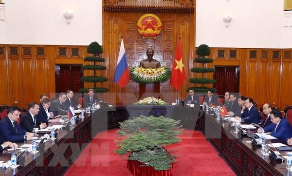 阮春福总理同俄罗斯总理梅德韦杰夫举行会谈 hinh anh 2