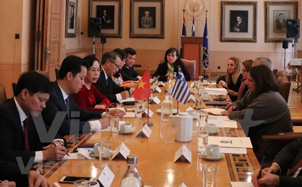 首都河内与希腊首都雅典促进文化、旅游和贸易的合作 hinh anh 1