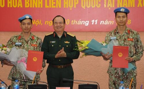 越南继续派遣两名军官赴南苏丹执行维和任务 hinh anh 1
