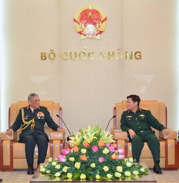 越南与印度将加强干部培训、国防工业、参加联合国维和行动等的合作力度 hinh anh 1