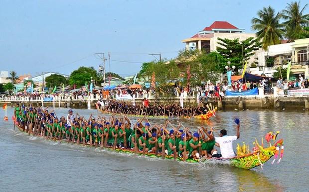 高棉族拜月节与龙舟赛在茶荣、朔庄热闹举行 hinh anh 1