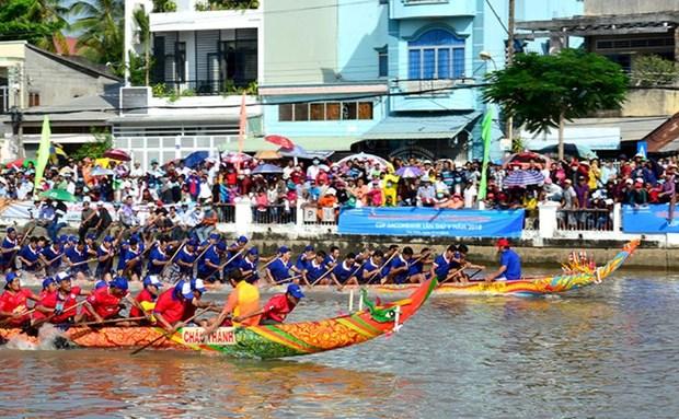 高棉族拜月节与龙舟赛在茶荣、朔庄热闹举行 hinh anh 2