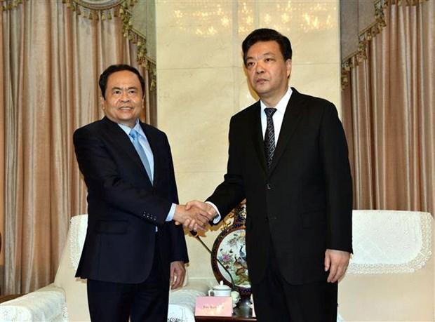 越南祖国阵线高级代表团对中国进行工作访问 hinh anh 1