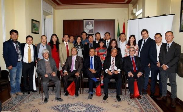 在意大利越南企业家协会为促进越意两国企业交流合作做出努力 hinh anh 1