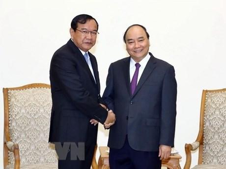 越南政府总理阮春福会见柬埔寨副首相兼外交国际合作部大臣 hinh anh 1