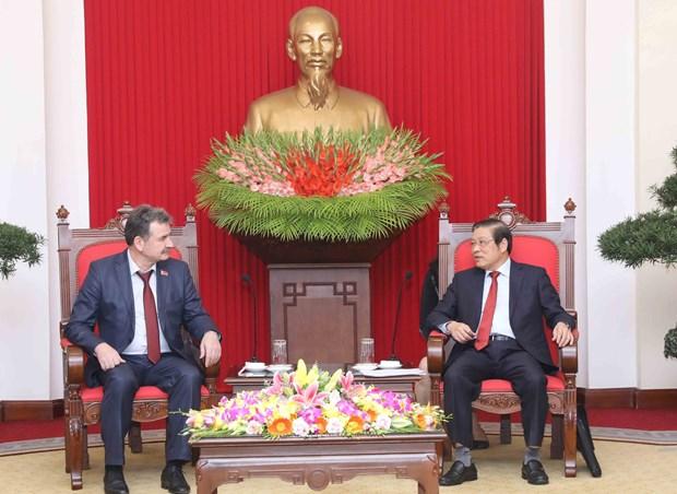 哈萨克斯坦共产主义人民党代表团访问越南 hinh anh 1