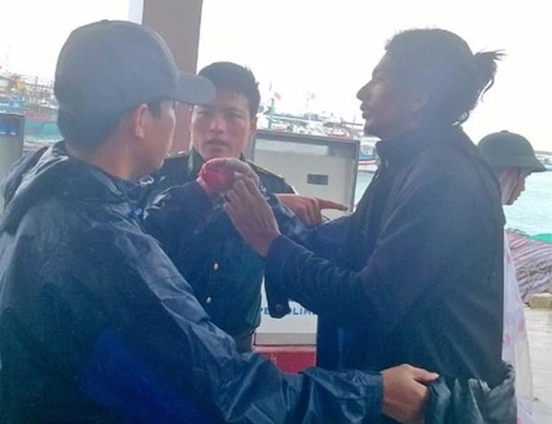 海上遇险的一名印度籍船员获及时救治 hinh anh 1