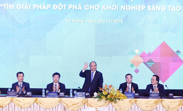 政府总理阮春福:政府将为青年创新创业创造最好的条件 hinh anh 1