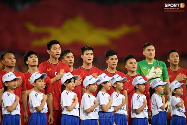 越南国足跻身国际足联排名100强 hinh anh 1